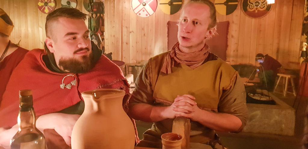 Ole Daniel Falslund og Kristoffer Jorde Hansen etter et mektig måltid